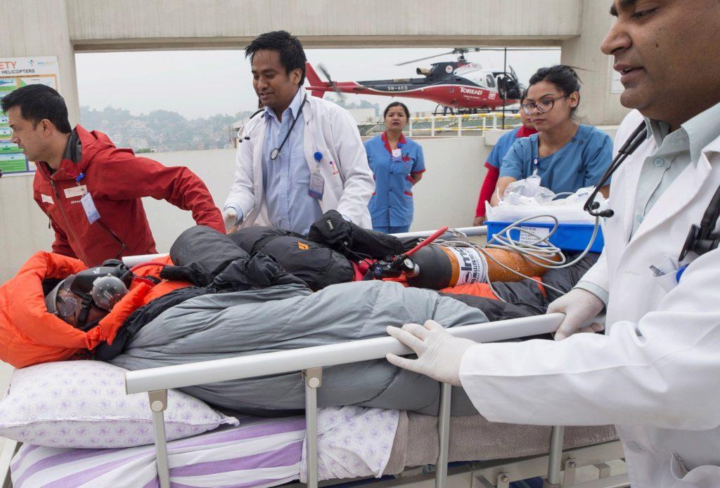 Rescatan a montañista que se encontraba desaparecido a más de 7.000 metros de altitud en el monte Annapurna del Himalaya.