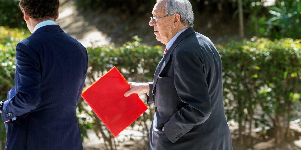 MADRID, 22/05/2019.- Exembajador de Espana en Venezuela, a su salida de declaración ante la Audiencia Nacional. EFE/Rodrigo Jiménez