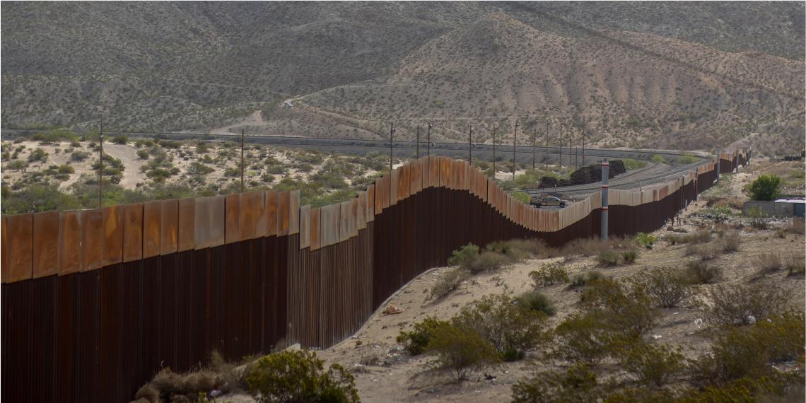 Muro en la frontera entre México y Estados Unidos. Foto: EFE.