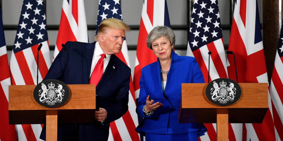 LONDRES (REINO UNIDO), 04/06/2019.- La primera ministra británica, Theresa May, y el presidente de Estados Unidos, Donald Trump. EFE/Neil Hall