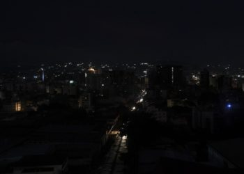 View of Caracas on July 22, 2019 seen as the capital and other parts of Venezuela are being hit by a massive power cut. - The lights went out in most of Caracas while people in other parts of the country took to social media to report the power had gone out there too. The state-owned power company CORPOELEC only reported a breakdown affecting sectors of Caracas. (Photo by Yuri CORTEZ / AFP)
