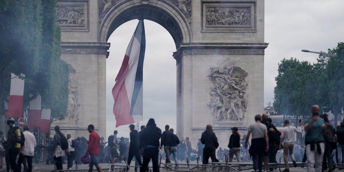Detenidas 152 personas en París durante festividades del 14 de julio