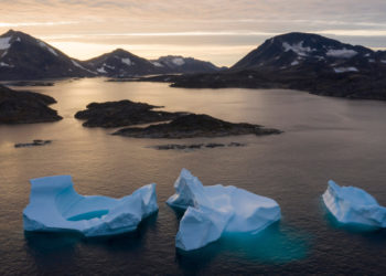 Más de 440.000 millones de toneladas de hielo se han derretido en Groenlandia en el verano