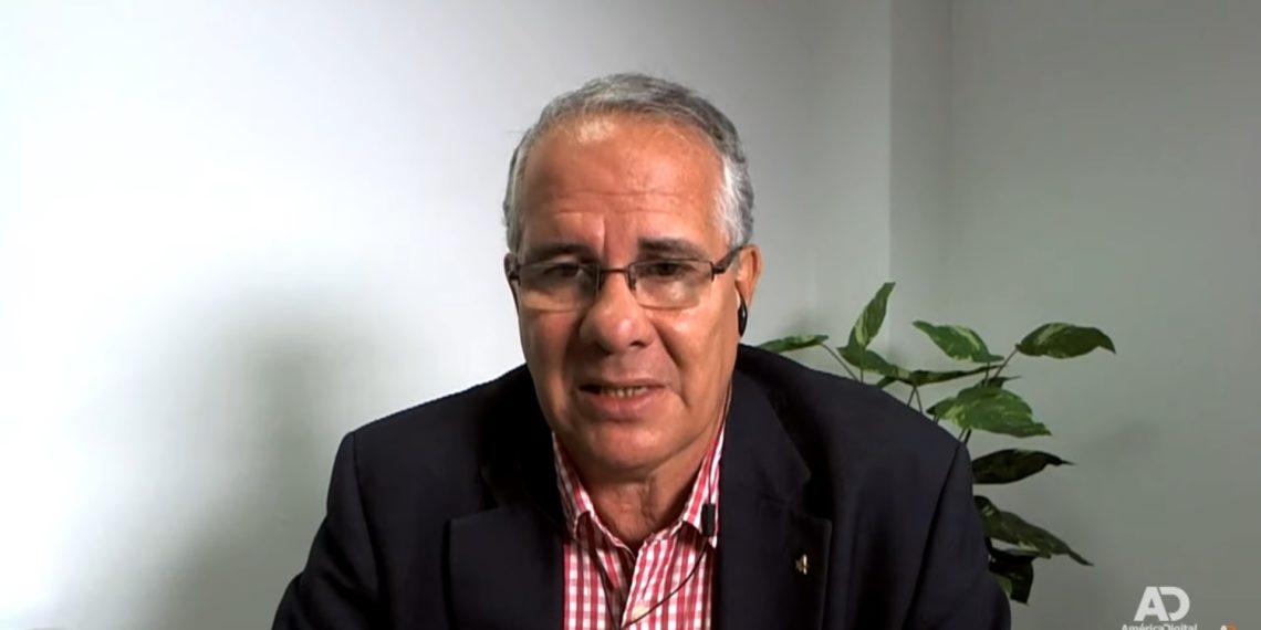 Juan Guillermo Requesens relató las vejaciones que su hijo sufre mientras está preso en El Helicoide