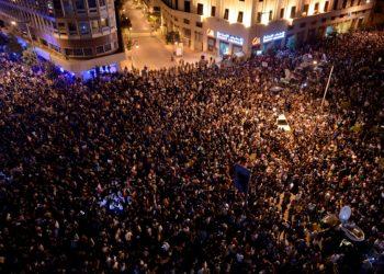 El «impuesto WhatsApp» causa una revolución en Líbano
