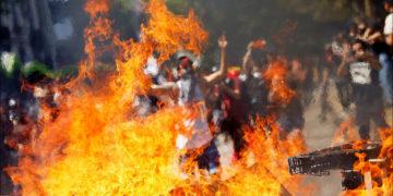 ¿Por qué continúan las protestas que tienen en una grave crisis política y social a Chile?