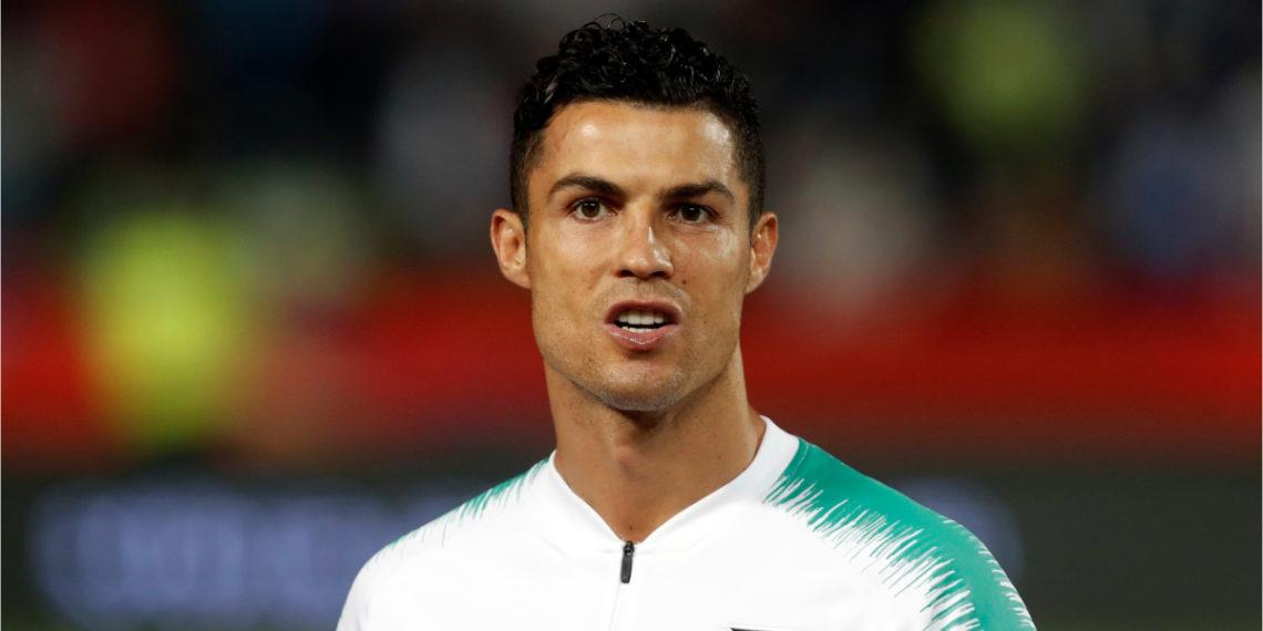 Cristiano Ronaldo regala guayos a las jugadoras de la Selección Sub-17 de Portugal