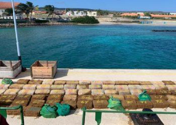 Barco capturado en Aruba con cocaína provenía presuntamente de Venezuela