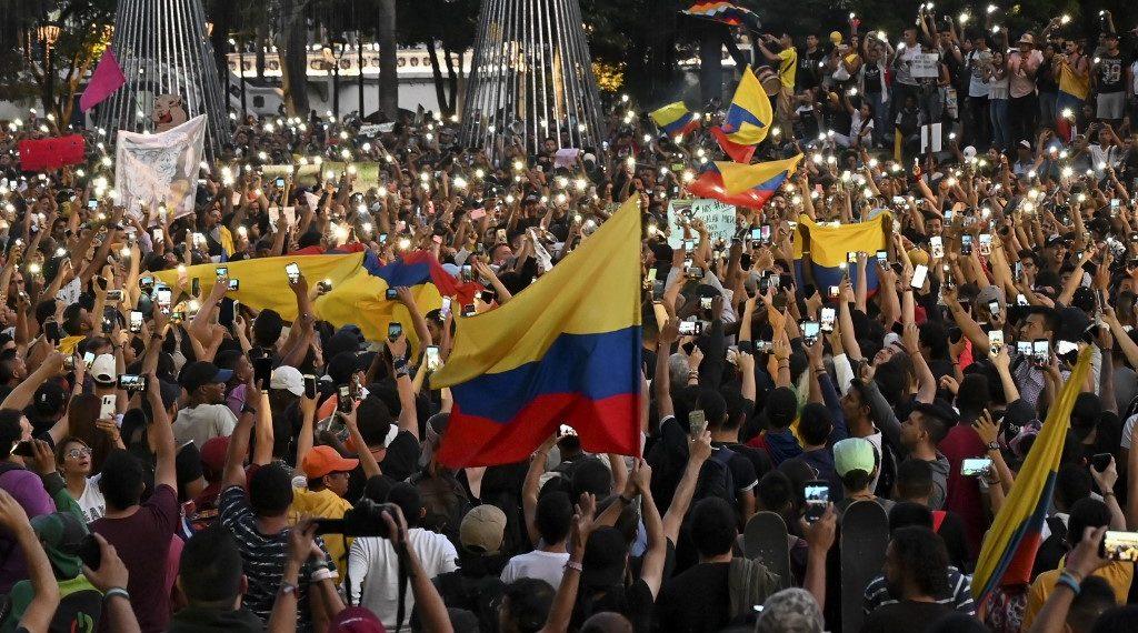 Manifestaciones y cacerolazo en Bogotá. Foto: AFP
