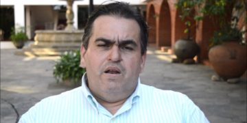 Correa: la gente se está reuniendo para informarse ante el bloqueo de información del régimen