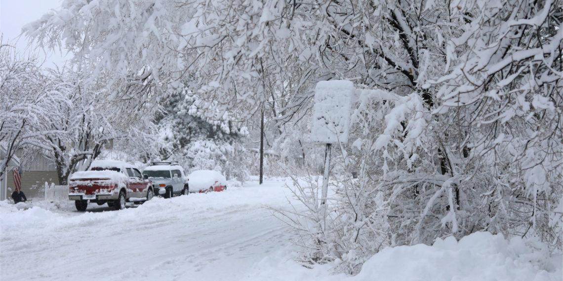 Tormenta ha traído fuerte vientos y gran cantidad de nieve a los EE.UU. Foto: AP
