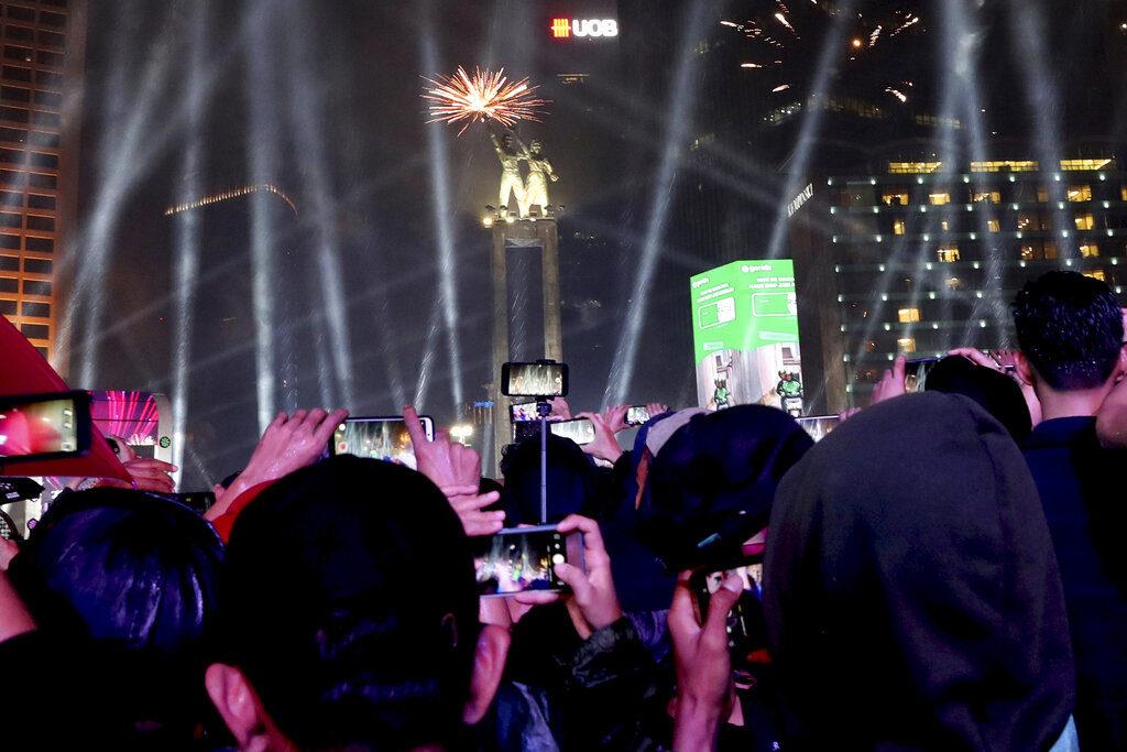 Celebración de año nuevo en Jakarta, Indonesia. Foto: AP