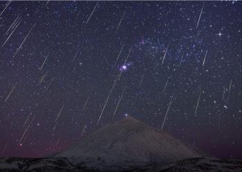 Lluvia de meteoros. Foto:  Juan Carlos Casado (TWAN , Earth and Stars) / NASA.