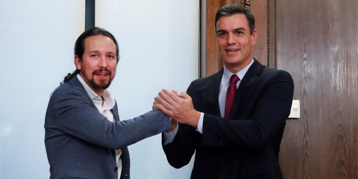 El líder del PSOE, Pedro Sánchez (d), y el líder de Podemos, Pablo Iglesias (i), Foto: EFE
