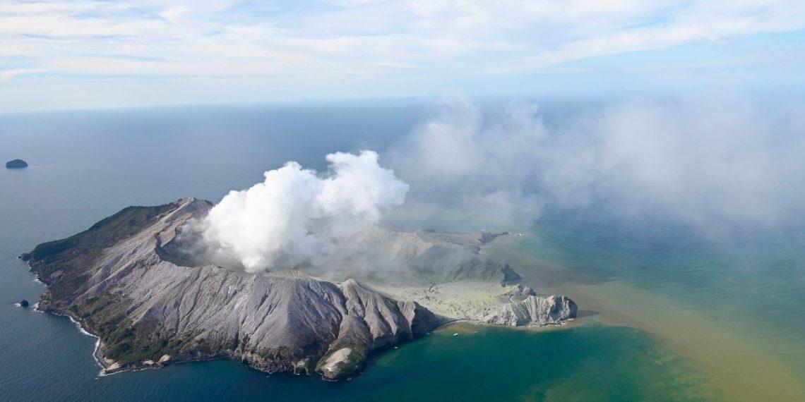 Las impresionantes imágenes de la erupción del volcán White Island en Nueva Zelanda