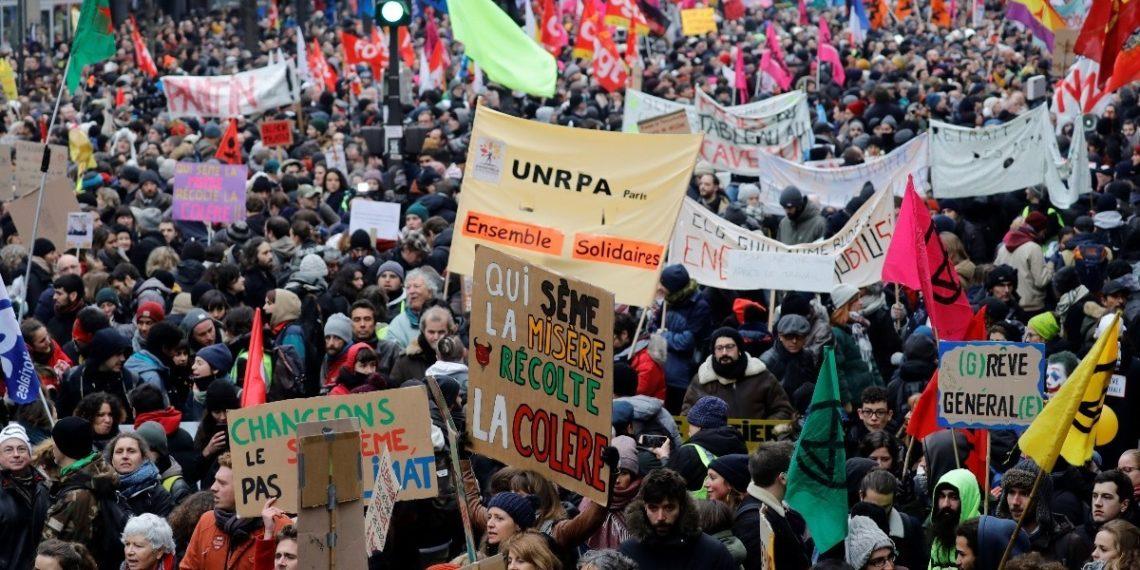 ¿En qué consiste la reforma pensional que originó las protestas en Francia?