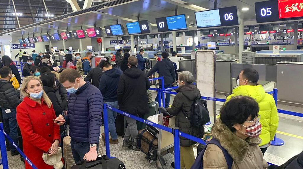 Un avión fletado por la UE para repatriar a ciudadanos europeos de Wuhan. AP