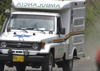 Imagen de referencia de una ambulancia en Colombia. Foto: AFP