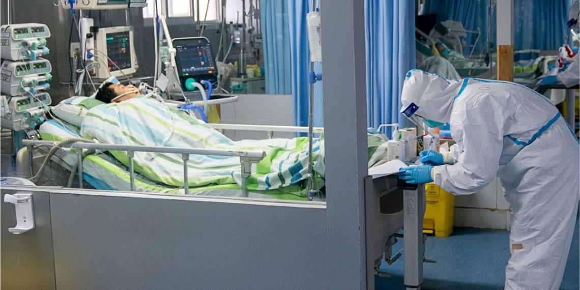 Las autoridades sanitarias de China tratan de controlar la propagación del coronavirus. Foto: AP