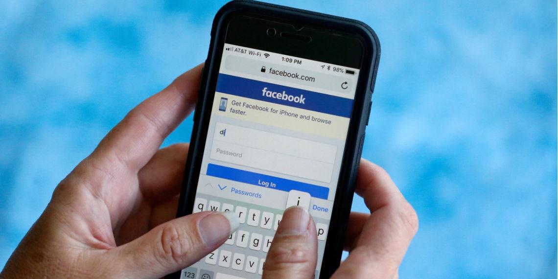 Facebook anunció que eliminará información falsa sobre el coronavirus. Foto: AP