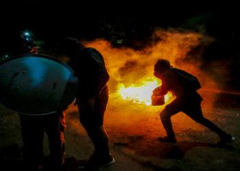 Nuevas y violentas protestas en Chile dejan dos muertos. América Digital. AP