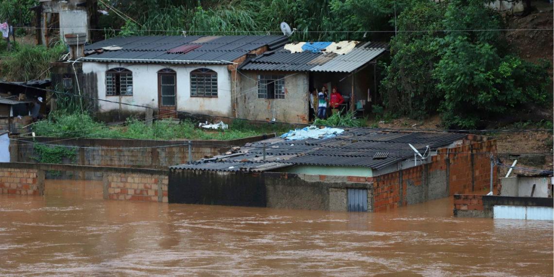 Al menos 50 muertos dejan fuertes lluvias en el estado de Minas Gerais en Brasil. Foto: AP