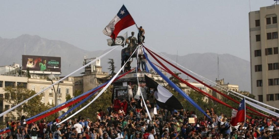 La manifestaciones en Chile del estallido social completan tres meses. Foto: AFP