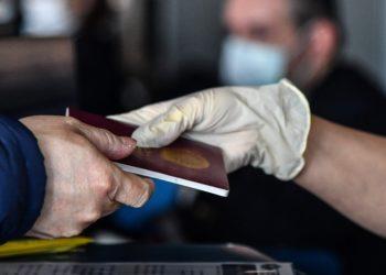 Imagen de referencia de un pasaporte. Foto: AFP