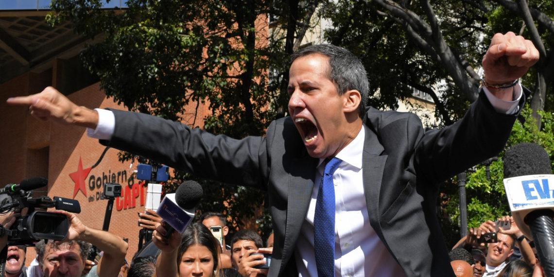 Juan Guaidó regresa a la Asamblea