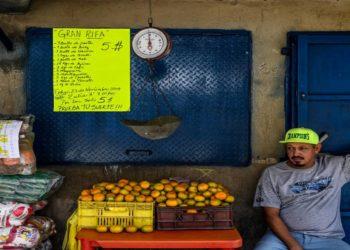 Inflación en Venezuela desmonta «normalidad» del chavismo