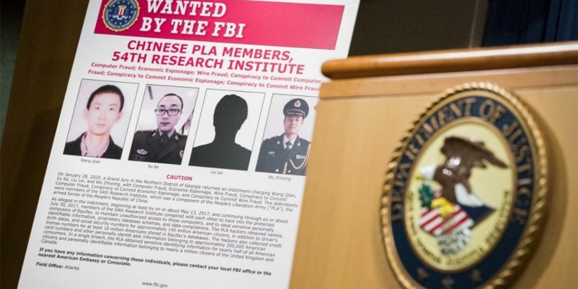 Acusan en EE.UU. a cuatro militares chinos por hackear agencia de crédito Equifax. Foto: AFP