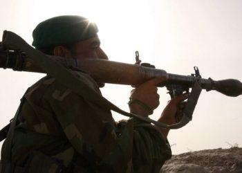 Un soldado del ejército nacional afgano durante una operación para capturar a unos presuntos talibanes. Foto: AFP