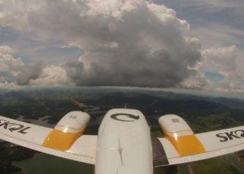 Bombardean las nubes para frenar las lluvias durante el carnaval en Sao Paulo. Foto: EFE