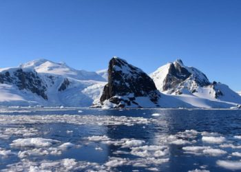 Un iceberg de 300 kilómetros cuadrados se desprende de un glaciar antártico. Amérca Digital. Foto: esa.in
