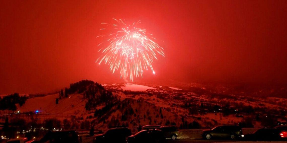 Récord Guinness de fuegos artificiales en Colorado. América Digital. AP