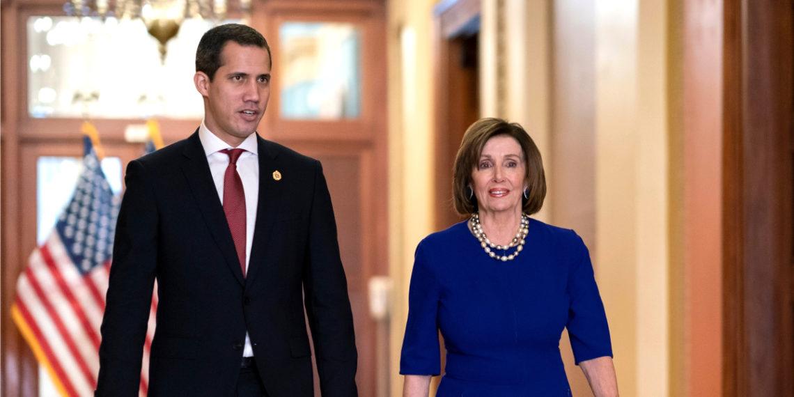 El presidente interino de Venezuela, Juan Guaidó, sostuvo una reunión con la presidenta de la Cámara de Representantes de EE.UU. Nancy Pelosi. Foto: AP