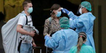 adnoticias-mujerfuedadadealtaporcoronavirus-2020-AP