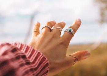 anillos y relojes