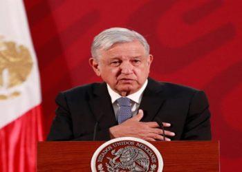 AMLO protegerá a adultos mayores y descarta cuarentena en México