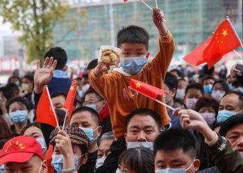 China levantará cuarentena en Hubei, provincia donde se originó el coronavirus. Foto: AFP