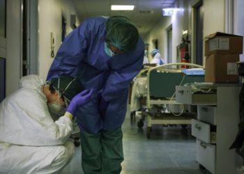 Más de 5.000 médicos y personal del sistema de salud han sido infectados por coronavirus en Italia. Foto: AFP