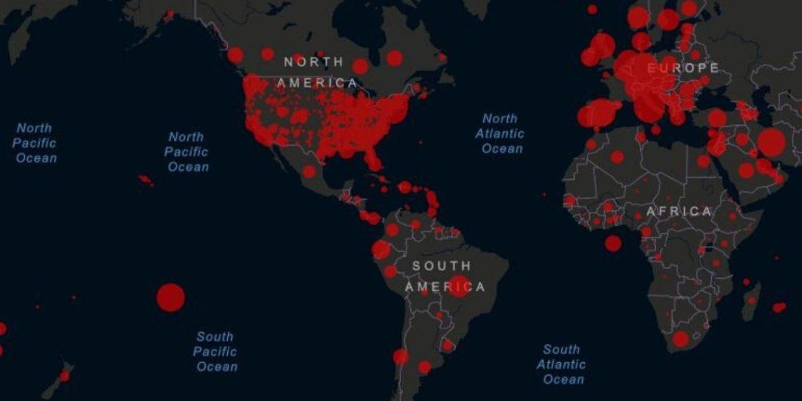 El coronavirus ya llegó a toda América y amenaza con transmisión local. Foto: Universidad Johns Hopkins / Esri-FAO- NOAA