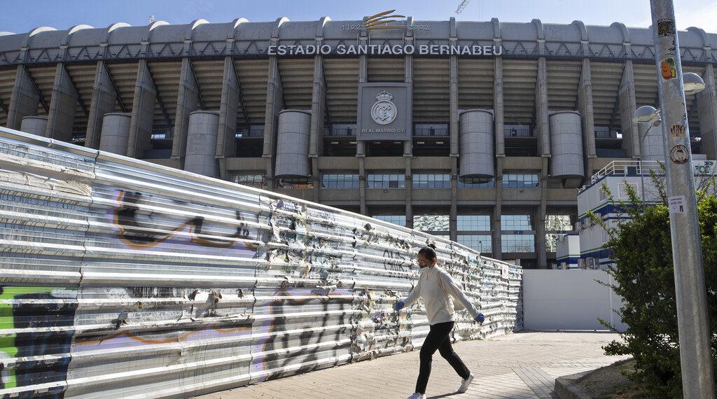 Foto de los exteriores del estadio Santiago Bernabéu