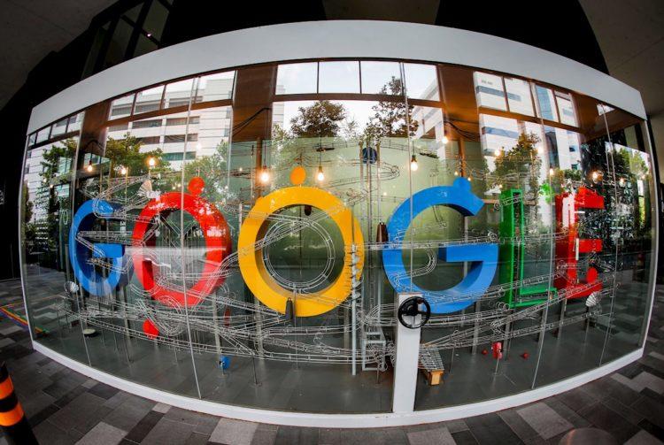 """Las compañías tecnológicas también se comprometieron a publicar abiertamente """"información sobre el trabajo"""" que estén llevando a cabo para que terceros puedan fiscalizarlo."""