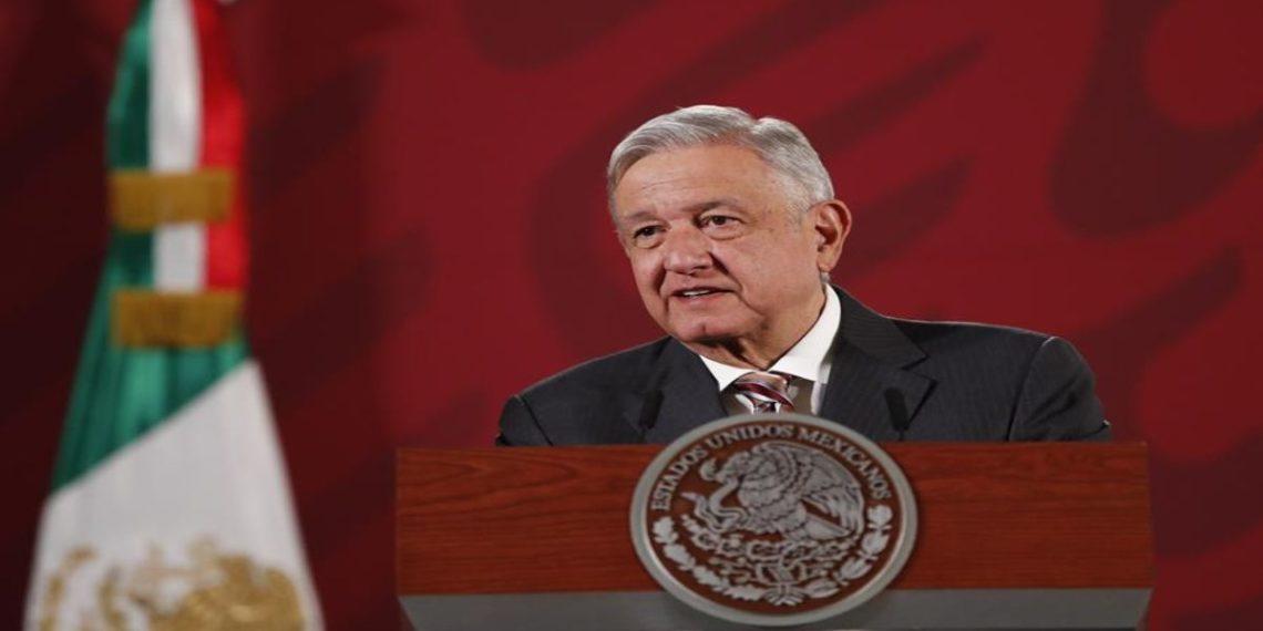 El presidente de México, Andrés Manuel López Obrador, participa este martes durante una rueda de prensa matutina en Palacio Nacional de Ciudad de México (México).  EFE/José Méndez