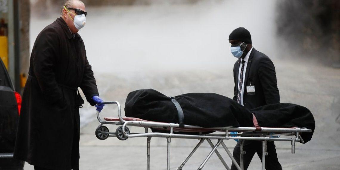 El coronavirus ya deja más de 250.000 muertos en el mundo. Foto: AP