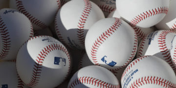 Régimen de Maduro informó 20 casos de coronavirus en academia de béisbol en Venezuela