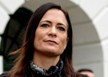 Stephanie Grisham renunció como portavoz de la Casa Blanca