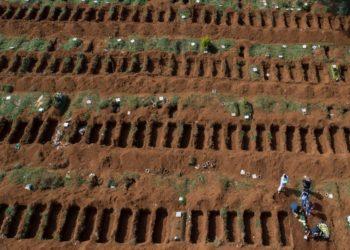 Sao Paulo abrirá fosas para las víctimas del coronavirus