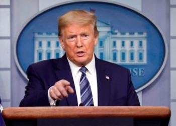 Trump ordena destruir barcos de Irán